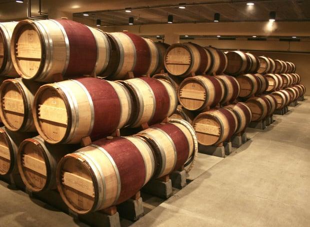 Wine_Barrels-k