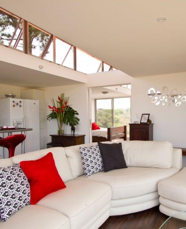 wohnen im alten frachtcontainer modern und edel. Black Bedroom Furniture Sets. Home Design Ideas