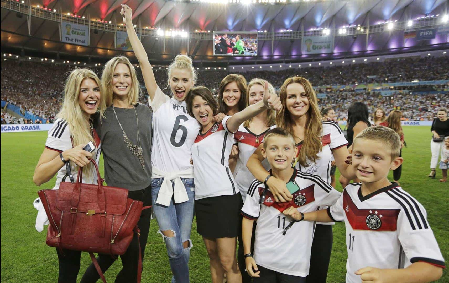 Hottest www.bwin.fr verification code pin WAGs Displays Of Affection For German Players After World Cup ...