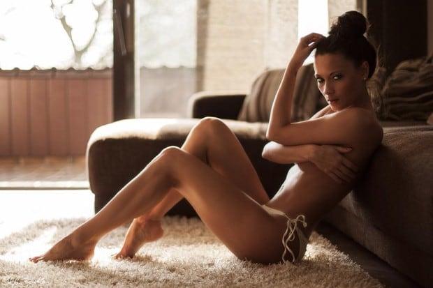 Model Angelina - die sexy Brunette aus Essen