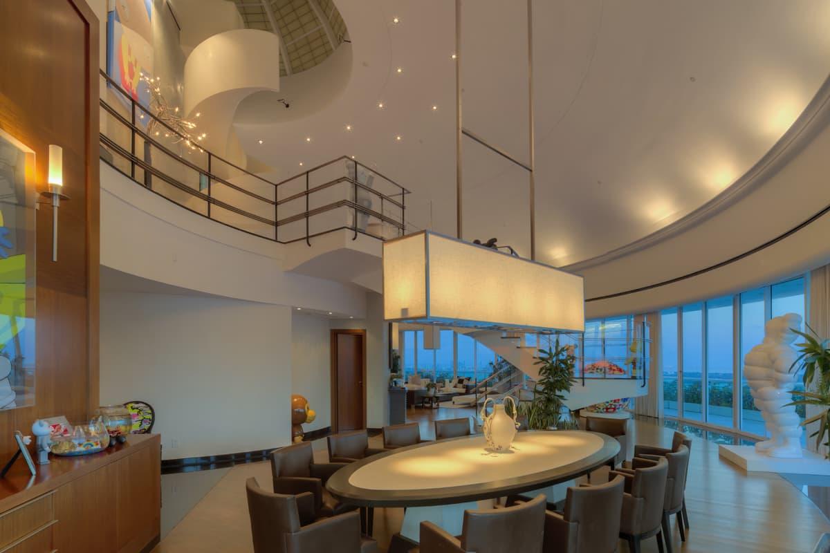 die exklusive penthouse wohnung im bristol tower menify. Black Bedroom Furniture Sets. Home Design Ideas