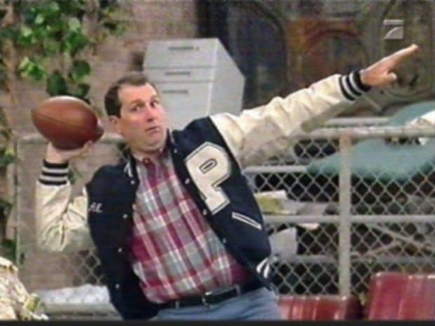 Al_Bundy_holding_a_Football