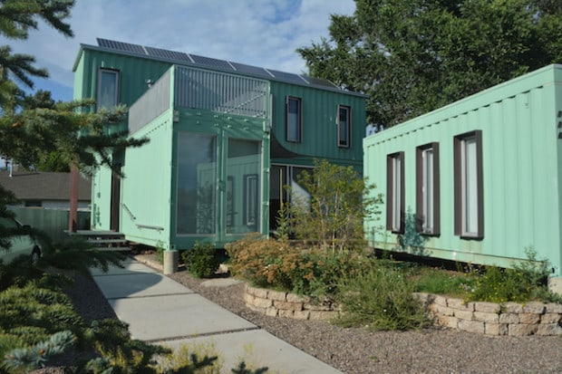 modern und edel in einem container wohnen menify m nnermagazin. Black Bedroom Furniture Sets. Home Design Ideas