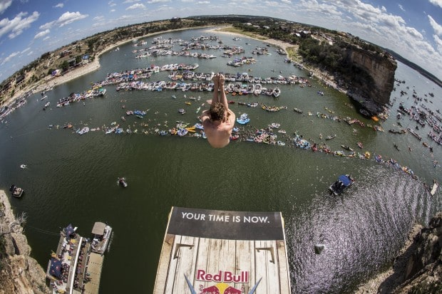 gary-hunt-at-red-bull-cliff-diving-in-fort-worth-2014