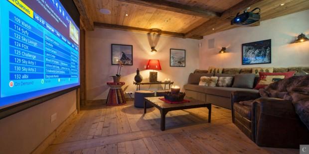 das eigene heimkino von beamer bis 4k. Black Bedroom Furniture Sets. Home Design Ideas