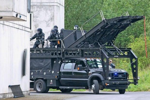 spektakulaere-polizeifahrzeuge-4