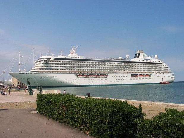 kreuzfahrtschiff-crystal-serenity