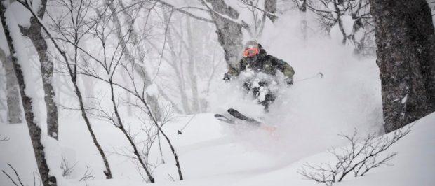 Winterurlaub: Mit den Ski ins Abenteuer