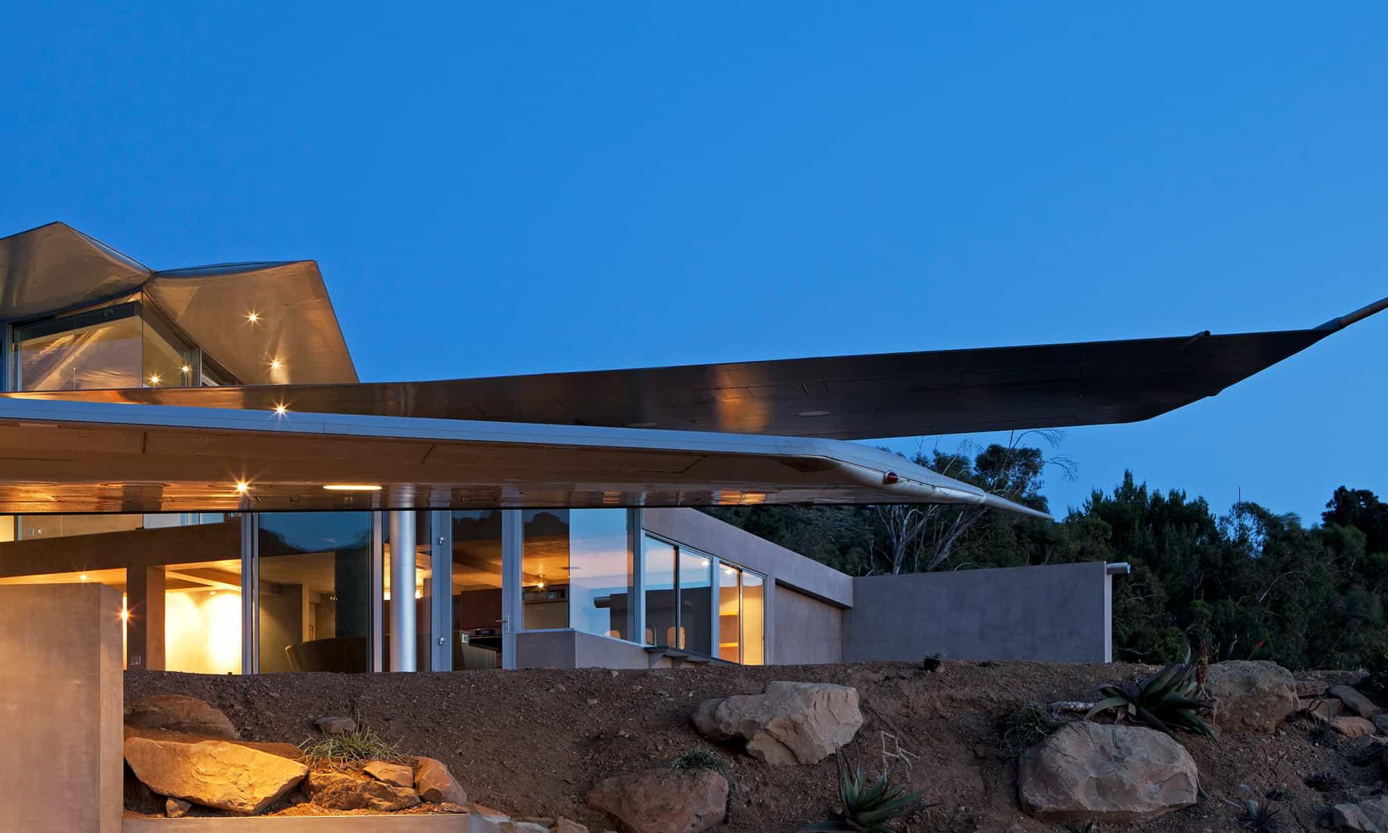 das 747 wing house die exklusive villa mit einer echten 747 menify m nnermagazin. Black Bedroom Furniture Sets. Home Design Ideas
